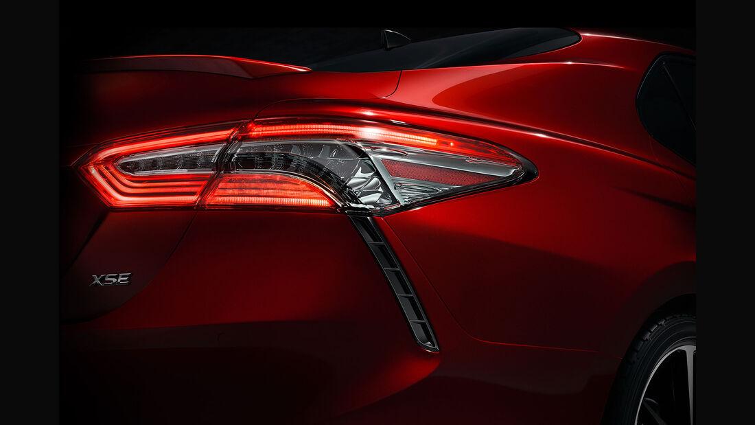 Teaser Toyota Camry 2017