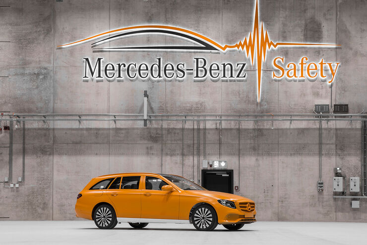 Technologiezentrum Fahrzeugsicherheit (TFS) Daimler, Crashtest