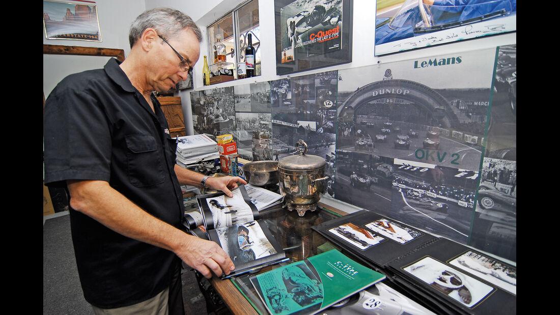 Terry Larson, Bücher, Archiv