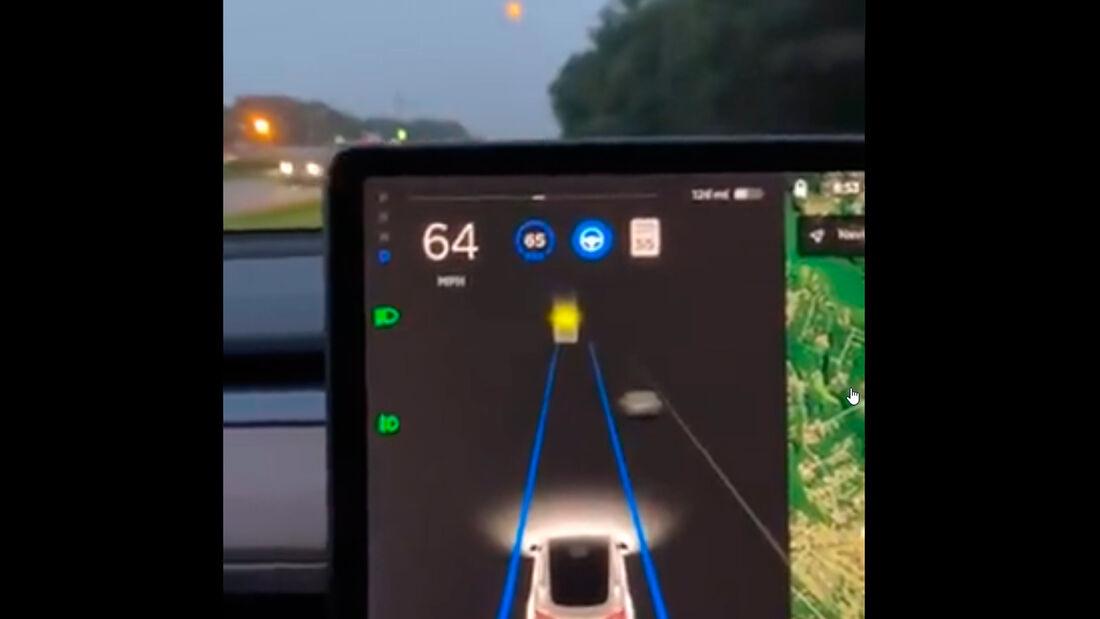 Tesla FSD Mond-Fail