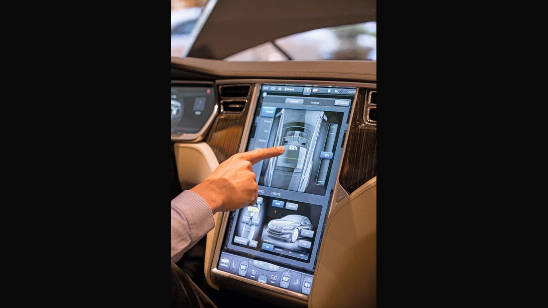 Tesla, Impressionen