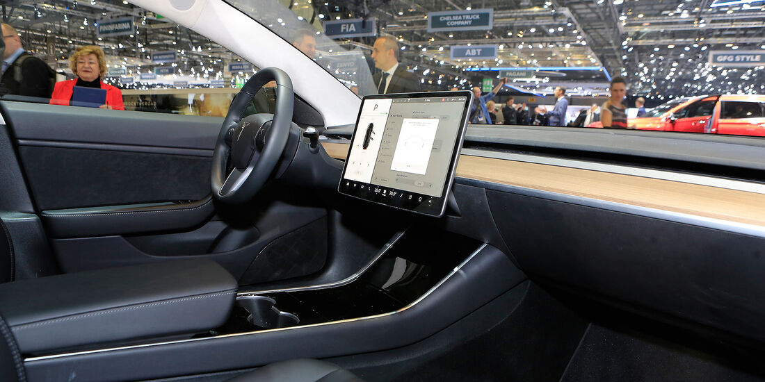 Tesla Model 3 Sitzprobe 2018