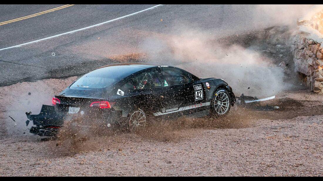 Tesla Model 3 Unplugged Performance Joshua Allan Pikes Peak crash (2020)