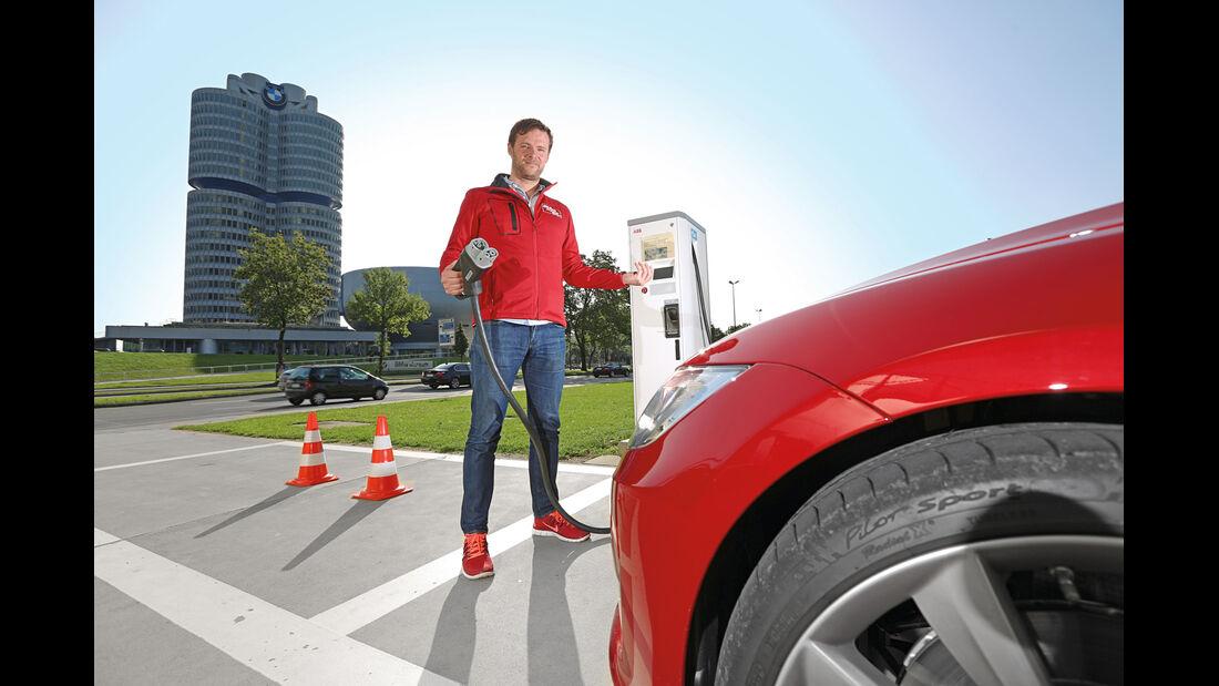 Tesla Model S, Alexander Bloch