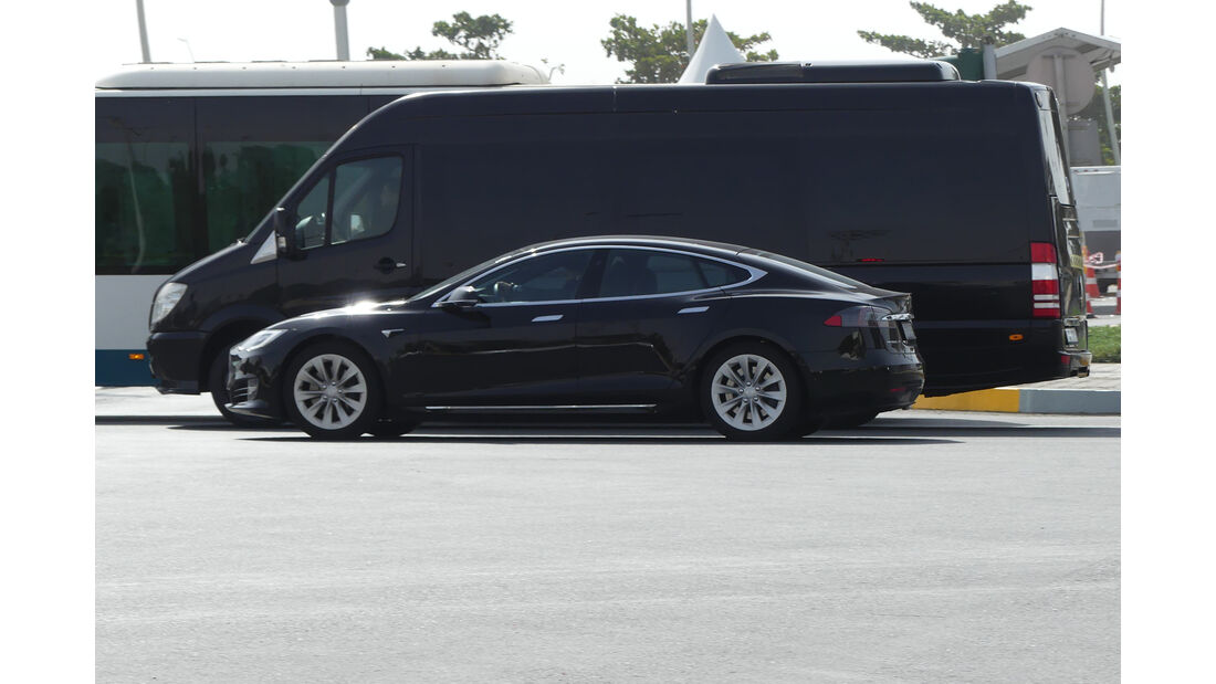 Tesla Model S - Carspotting - GP Abu Dhabi 2018