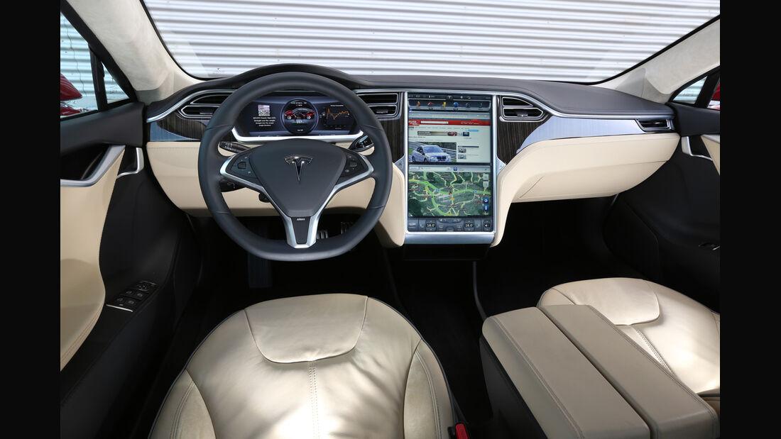 Tesla Model S, Cockpit