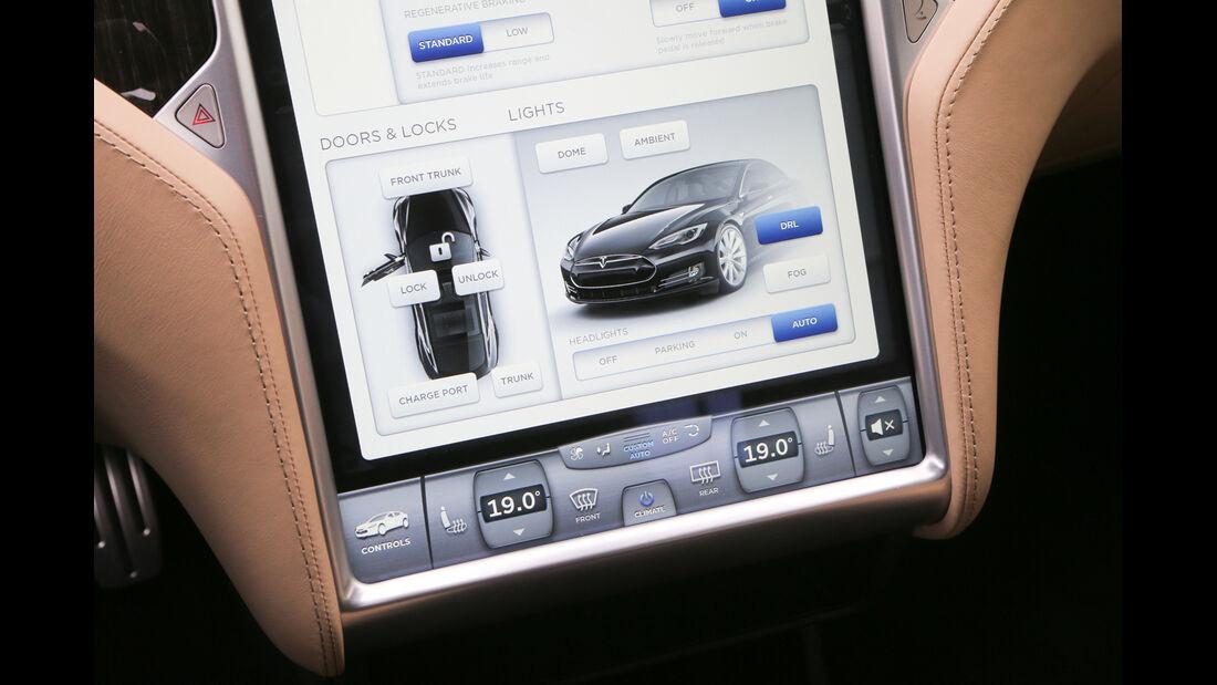 Tesla Model S, Monitor, Bordcomputer