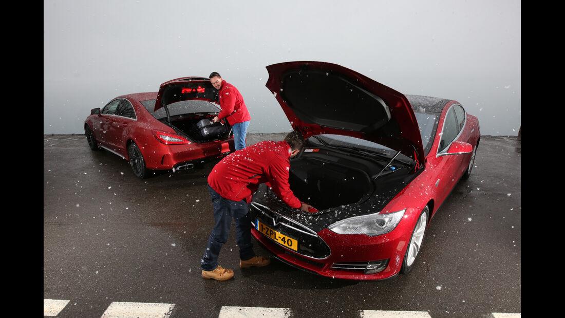 Tesla Model S P85D, Mercedes CLS 63 AMG S 4Matic, Kofferraum