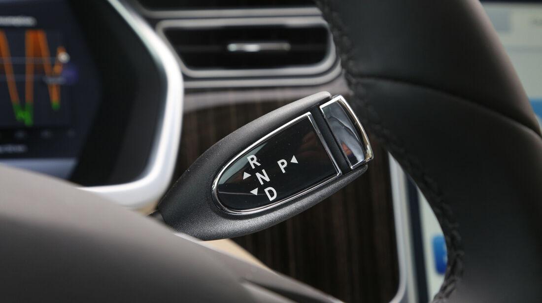 Tesla Model S, Schalter