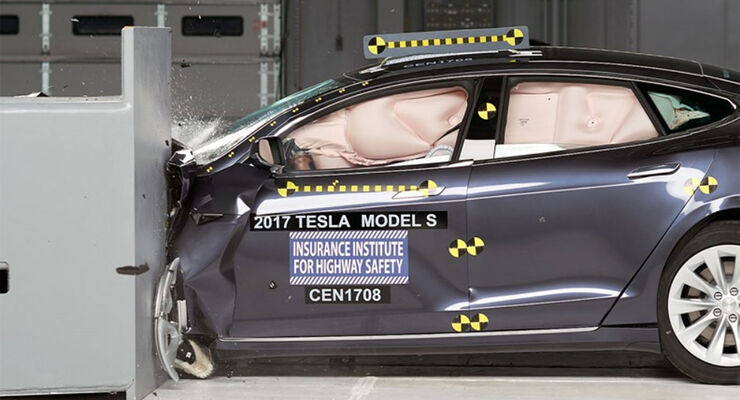 Tesla Model S Small Overlap Crashtest IIHS 2017