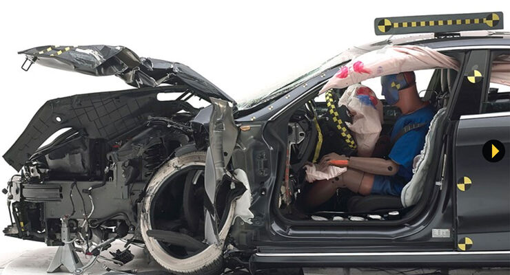 Tesla Model S Small Overlap Crashtest IIHS 2017