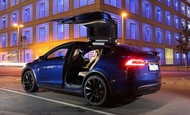 Tesla Model X P90D, Fondsitz, Aussteigen