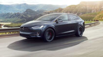 Tesla Model X mit chromglänzenden Applikationen