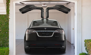 tesla model x news auto motor und sport. Black Bedroom Furniture Sets. Home Design Ideas