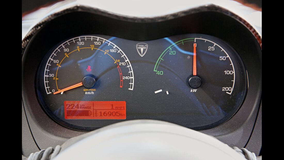 Tesla Roadster, Rundinstrumente