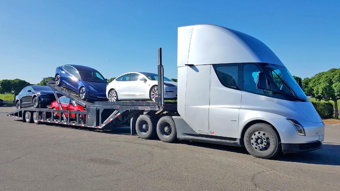 Tesla Semi Autotransporter