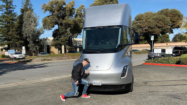 Tesla Semi Truck deadmau5