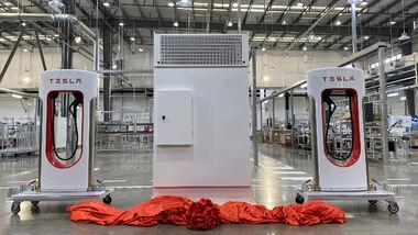 Tesla Supercharger-Fabrik im chinesischen Shanghai