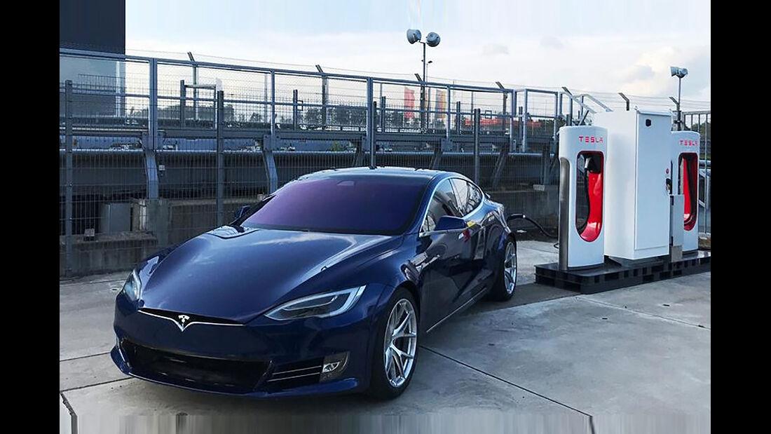 Tesla Supercharger Nürburgring Model S