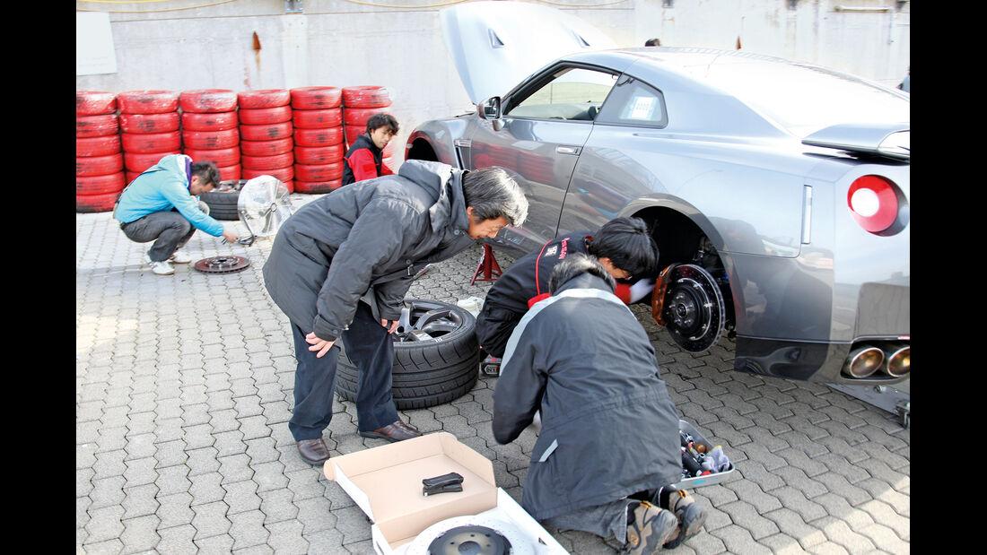 Testfahrt, Nissan GT-R, Reifenwechsel