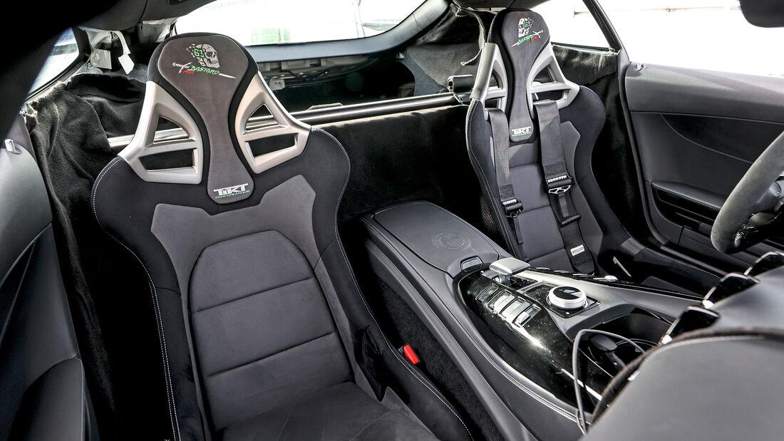 Tikt-Mercedes-AMG GT R Pro, Interieur