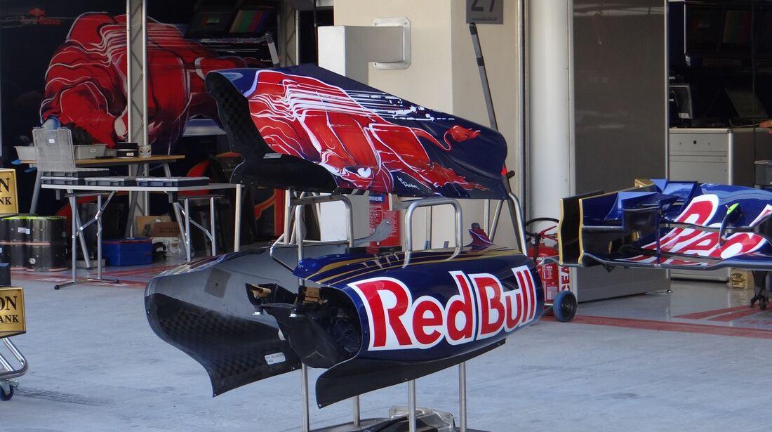 Toro Rosso Bodywork  - Formel 1 - GP Abu Dhabi - 01. November 2012