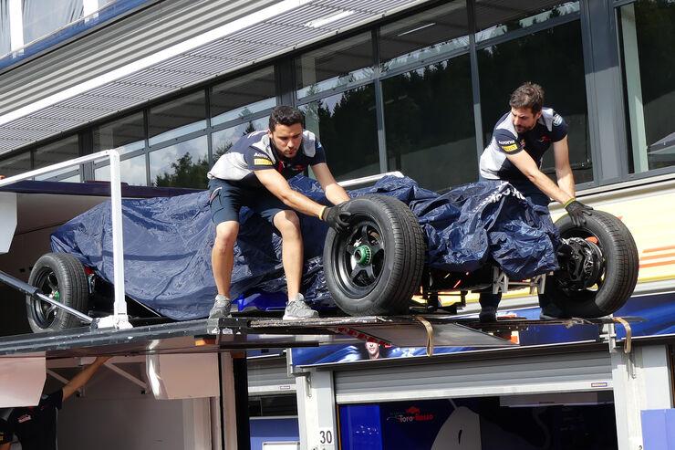 https://imgr1.auto-motor-und-sport.de/Toro-Rosso-GP-Belgien-Spa-Francorchamps-Formel-1-23-August-2017-fotoshowBig-d7f37c59-1112968.jpg