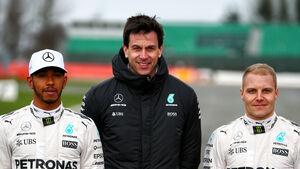 Toto Wolff, Lewis Hamilton & Valtteri Bottas - Mercedes - 2017