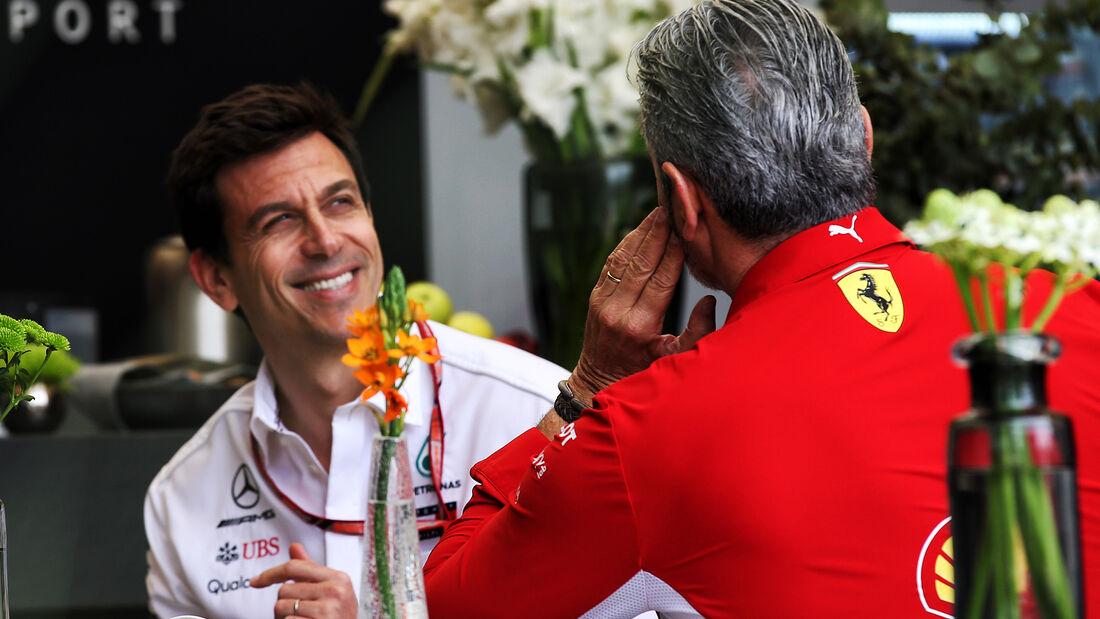 Toto Wolff & Maurizio Arrivabene - Formel 1 - GP Bahrain - Training - 6. April 2018