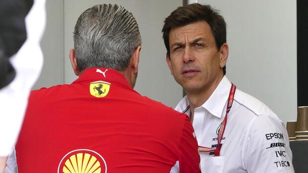Toto Wolff & Maurizio Arrivabene - GP Bahrain 2018