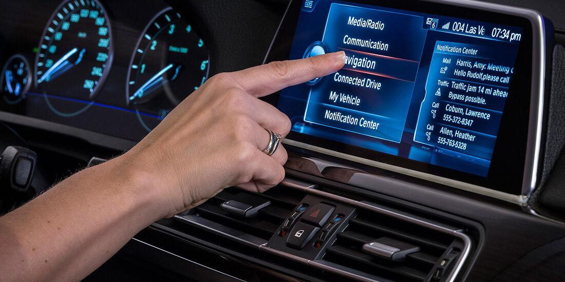 Touch- und Freiraumgestensteuerung