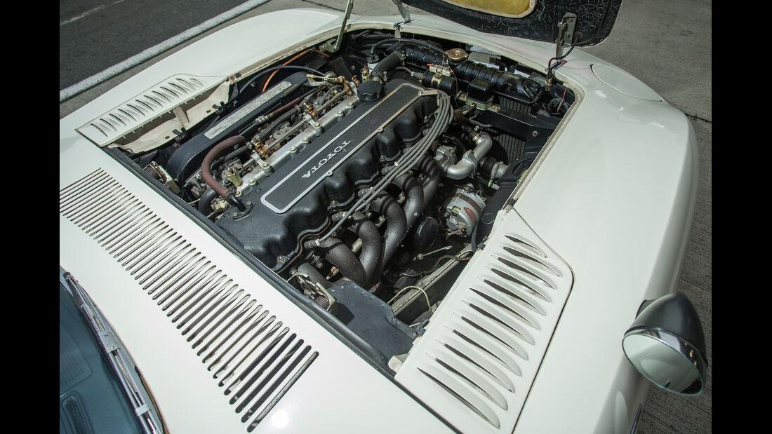Toyota 2000GT, Motor