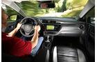 Toyota Auris 1.2T, Cockpit, Fahrersicht