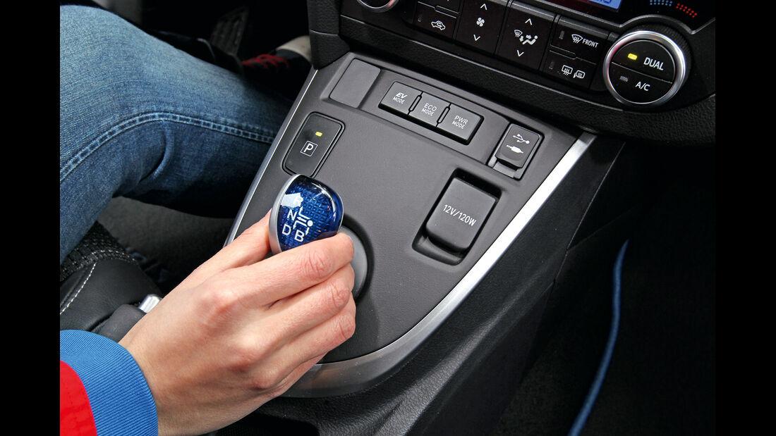 Toyota Auris 1.8 VVT-i HSD Executive, Mittelkonsole