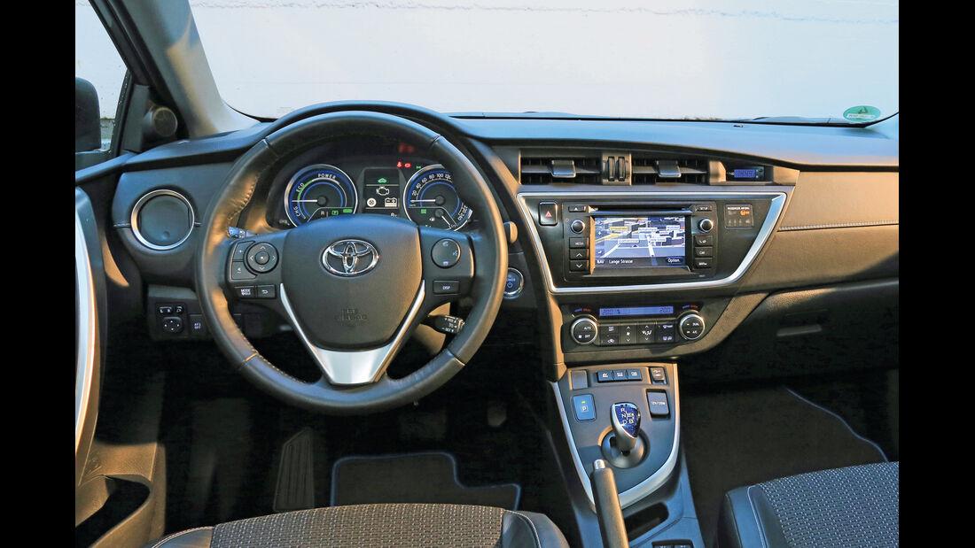 Toyota Auris, Cockpit