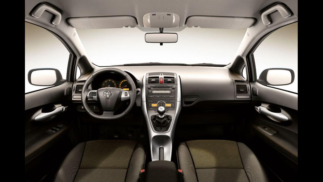 Toyota Auris, Cockpit, Club-Ausstattung