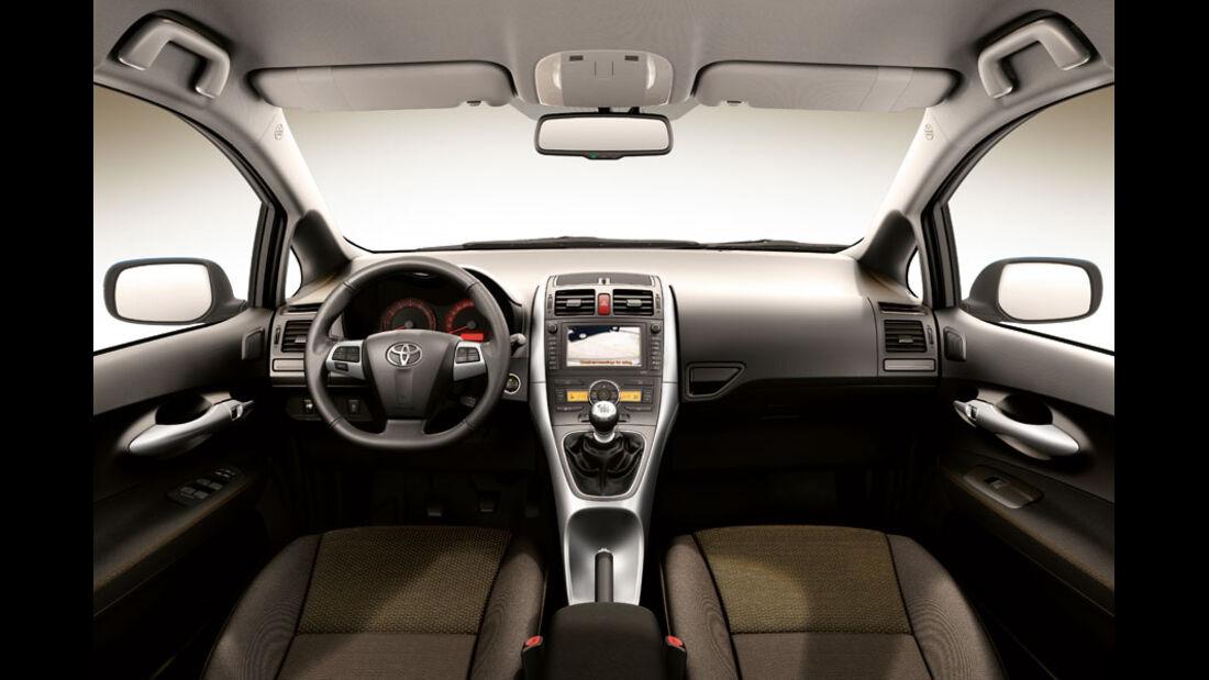 Toyota Auris, Cockpit, D-CAT-Ausstattung