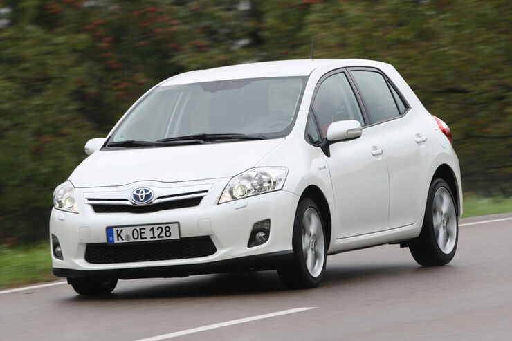 toyota auris hybrid im test prius bruder mit. Black Bedroom Furniture Sets. Home Design Ideas