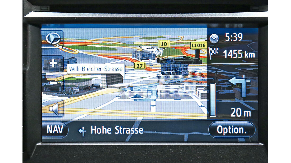 Toyota Auris, Infotainment