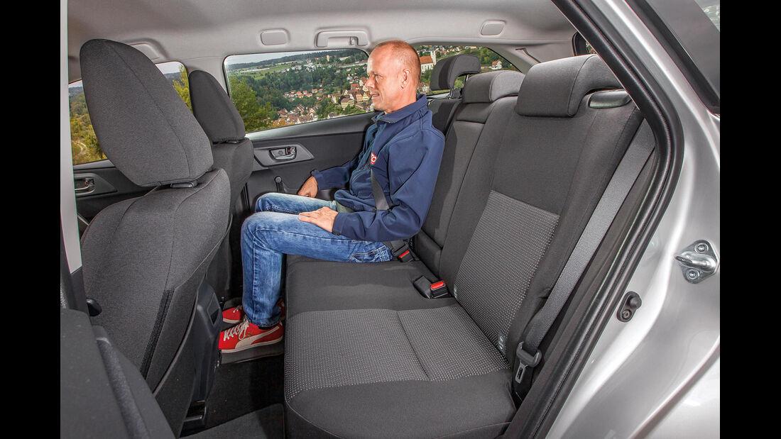 Toyota Auris Touring Sports 2.0 D-4D, Fond