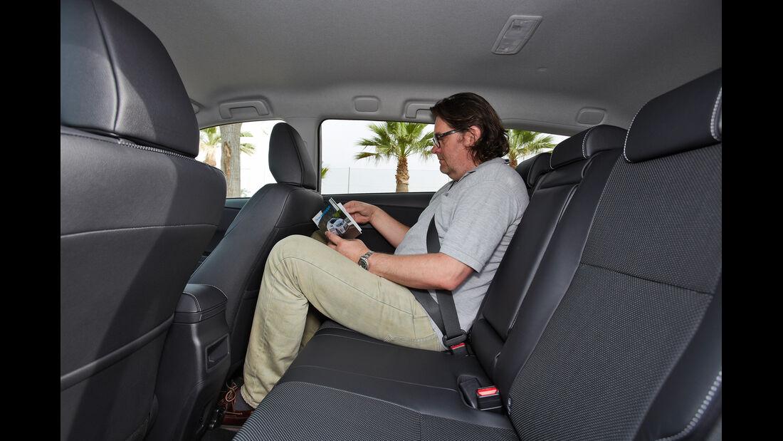 Toyota Auris Touring Sports, Rücksitz, Beinfreiheit