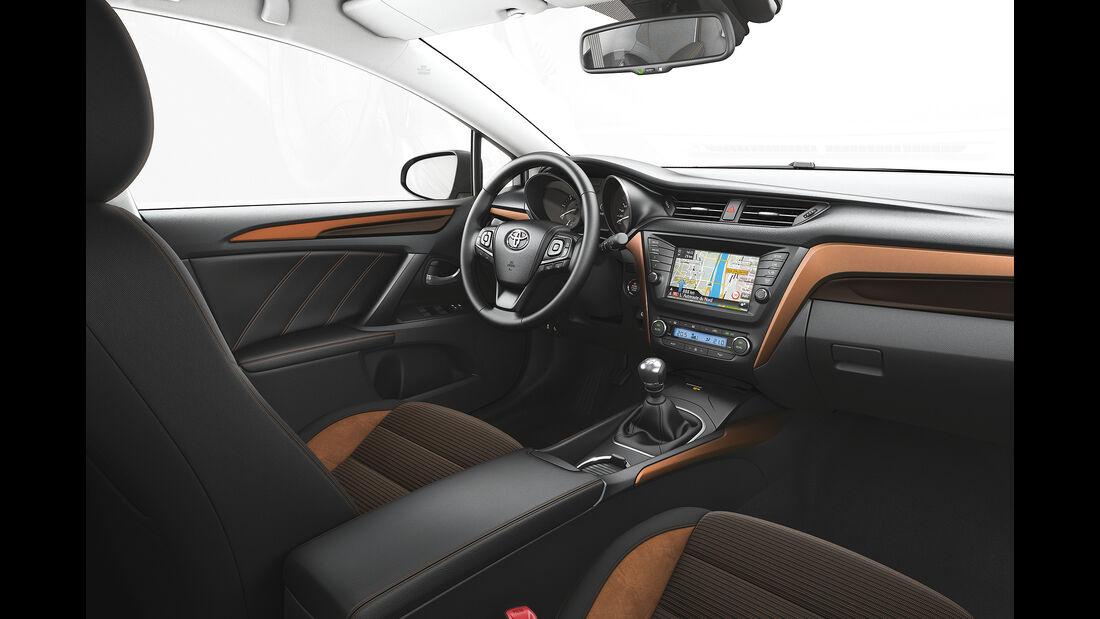 Toyota Avensis 2.0D-4D Touring Sports, Dekore