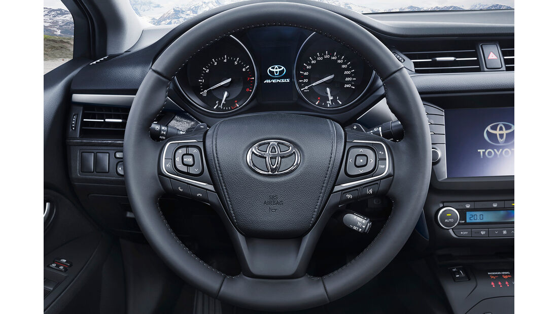 Toyota Avensis 2.0D-4D Touring Sports, Lenkrad