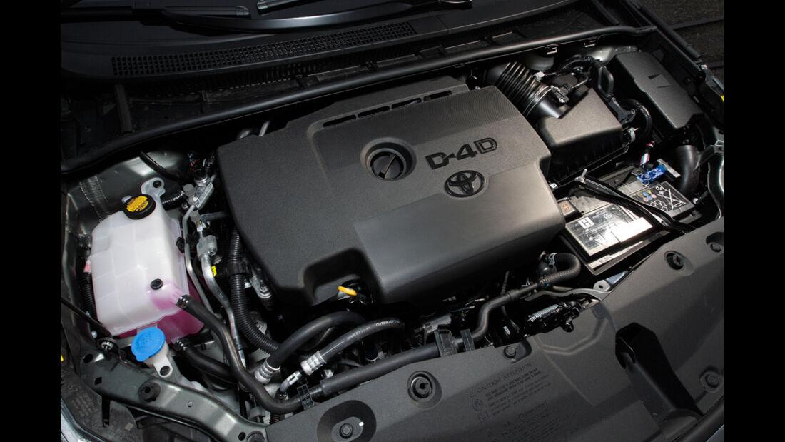 Toyota Avensis Combi D-4D, Motor