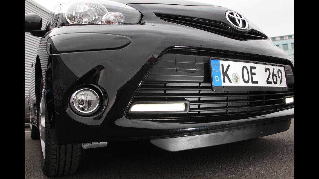 Toyota Aygo 1.0i, Frontscheinwerfer, Kühlergrill