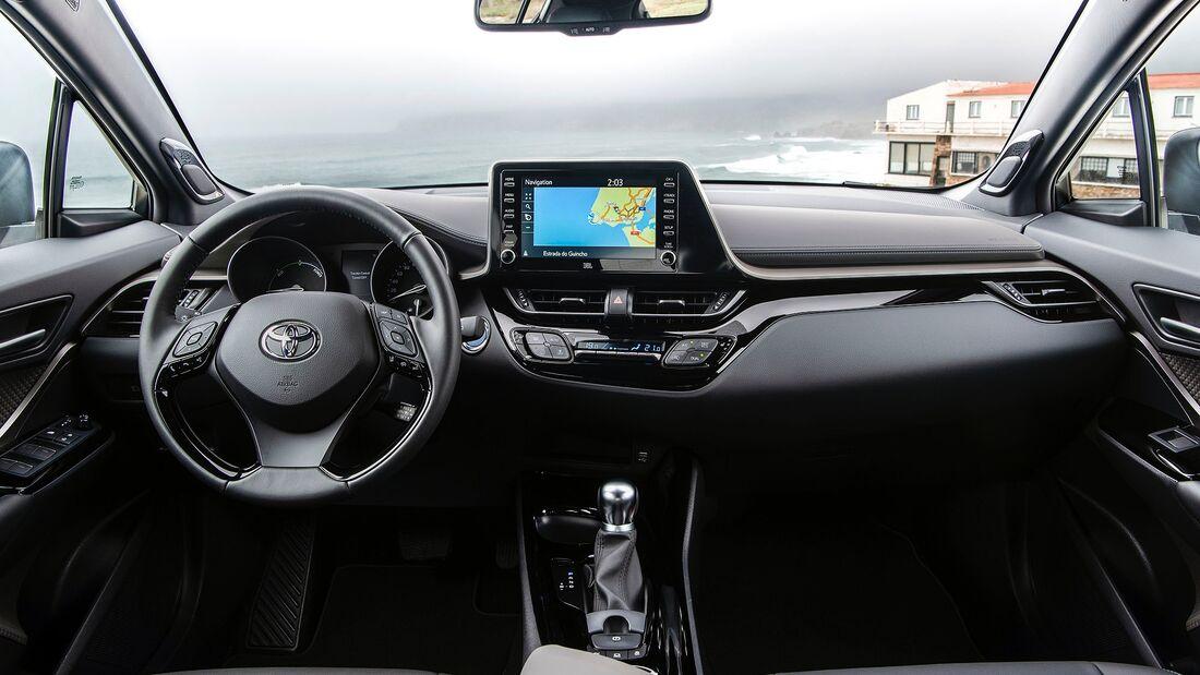 Toyota C-HR 2.0 Hybrid Fahrbericht