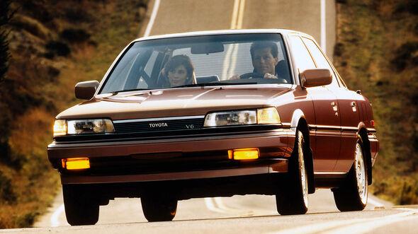 Toyota Camry Sedan US (1986)