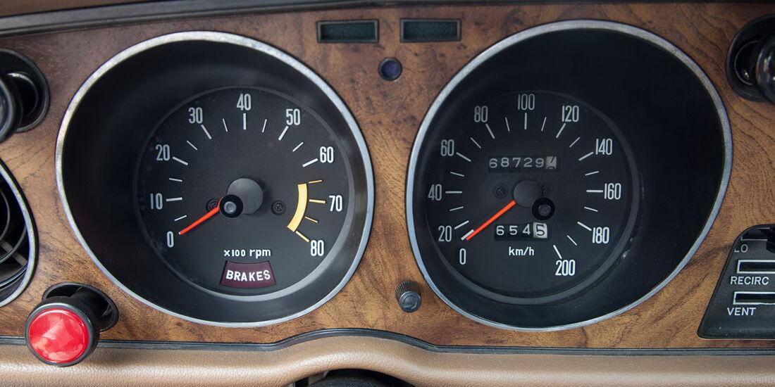 Toyota Celica, Rundinstrumente