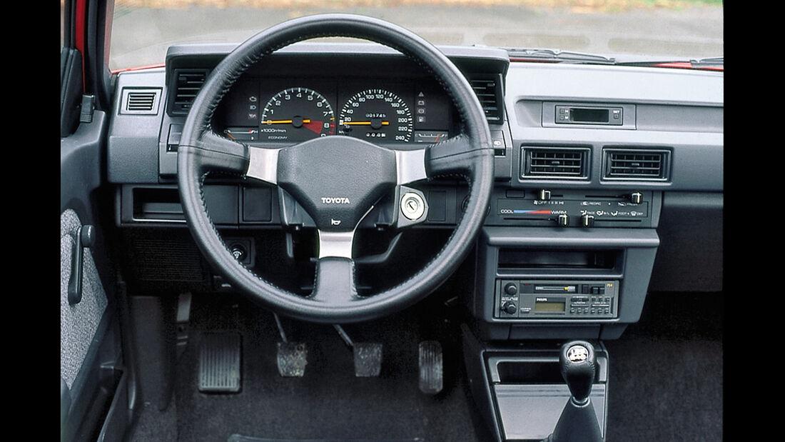 Toyota Corolla Compakt, Cockpit