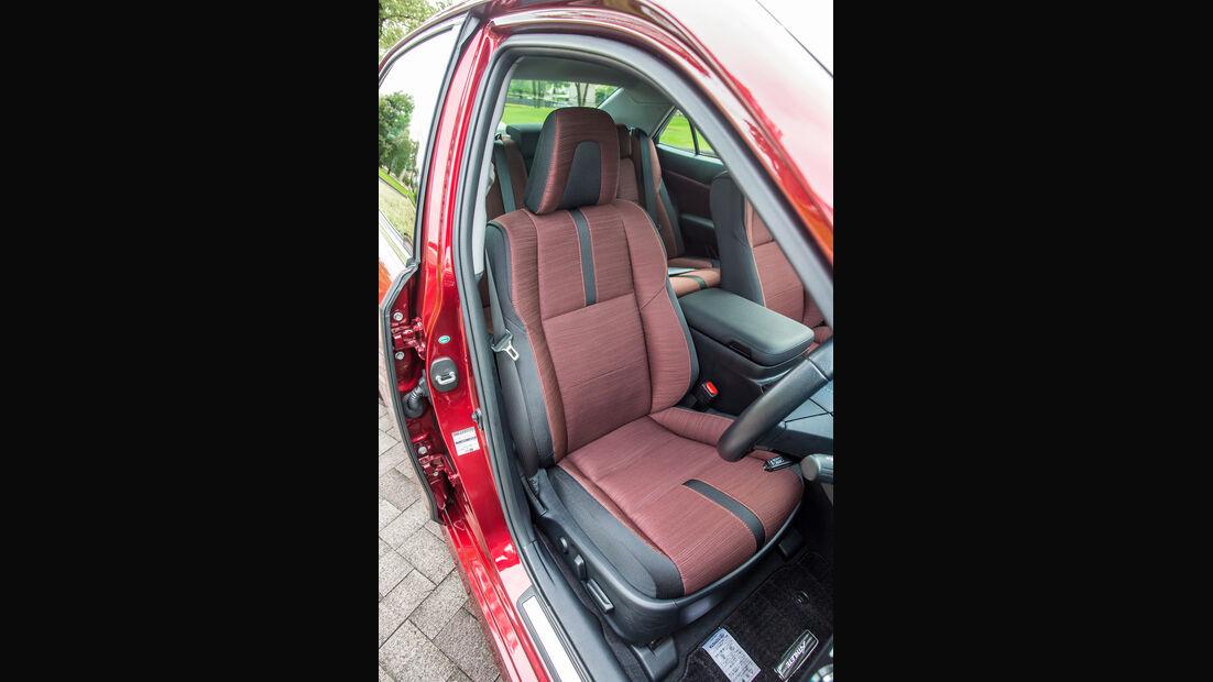 Toyota Crown Athlete S Hybrid, Fahrersitz